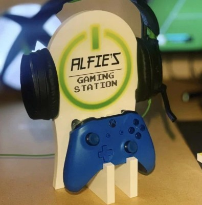 personalised-gaming-station-stand